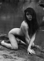 Ally Poses Nude By The River - Picture 11
